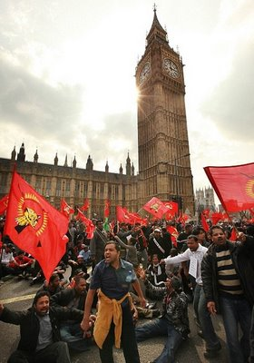 http://nimban.files.wordpress.com/2009/06/britain-tamils.jpg